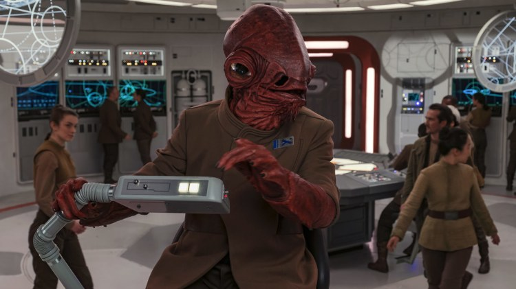 Ackbar_on_the_Raddus.jpg