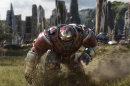 https_hk.hypebeast.comfiles201803avengers-infinity-war-hulkbuster-bruce-banner-hulk-1