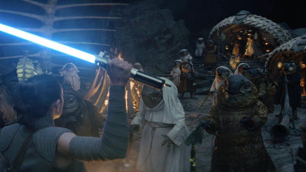 Lukus-Alexander_Caretaker_Star_Wars_The_Last_Jedi-1-1030x579